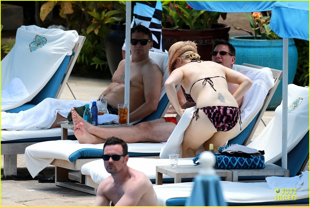 megan hilty cuddling with shirtless brian gallagher in hawaii 252881766