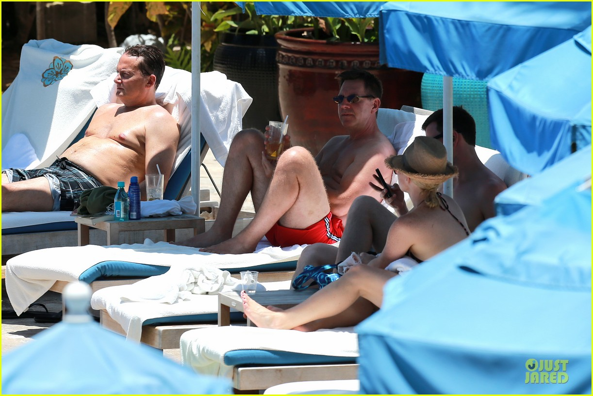 megan hilty cuddling with shirtless brian gallagher in hawaii 262881767