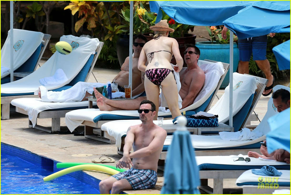 megan hilty cuddling with shirtless brian gallagher in hawaii 302881771