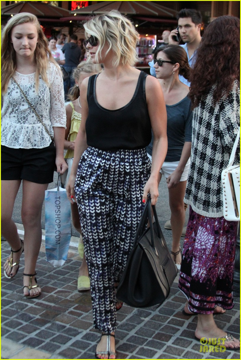 julianne hough the voice finale with nieces 192894599
