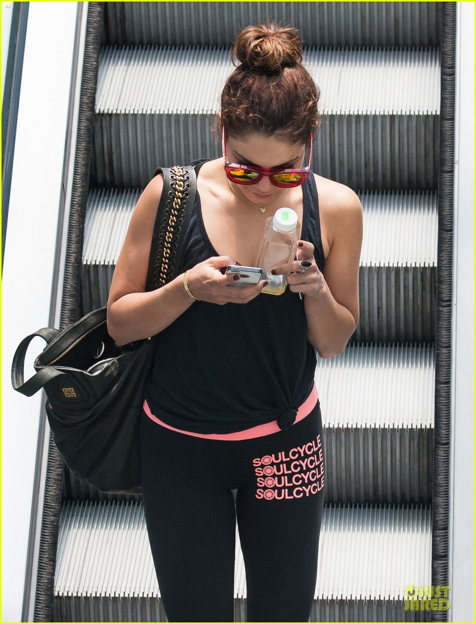 vanessa hudgens im excited for this weekend 092891465