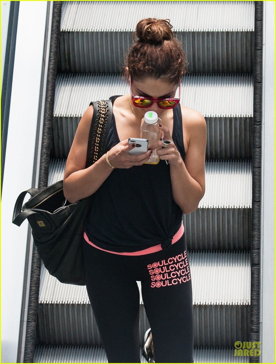 vanessa hudgens im excited for this weekend 102891466