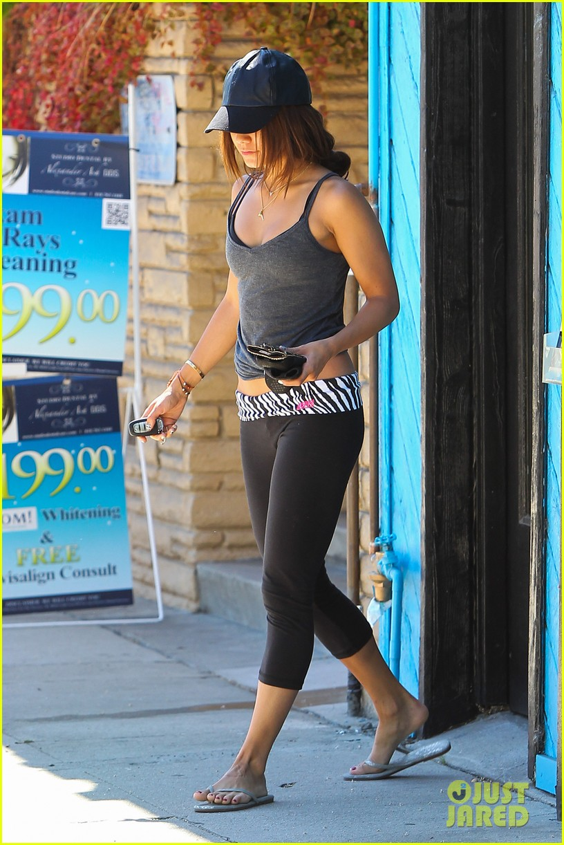 vanessa hudgens music gives life to everything 082899559