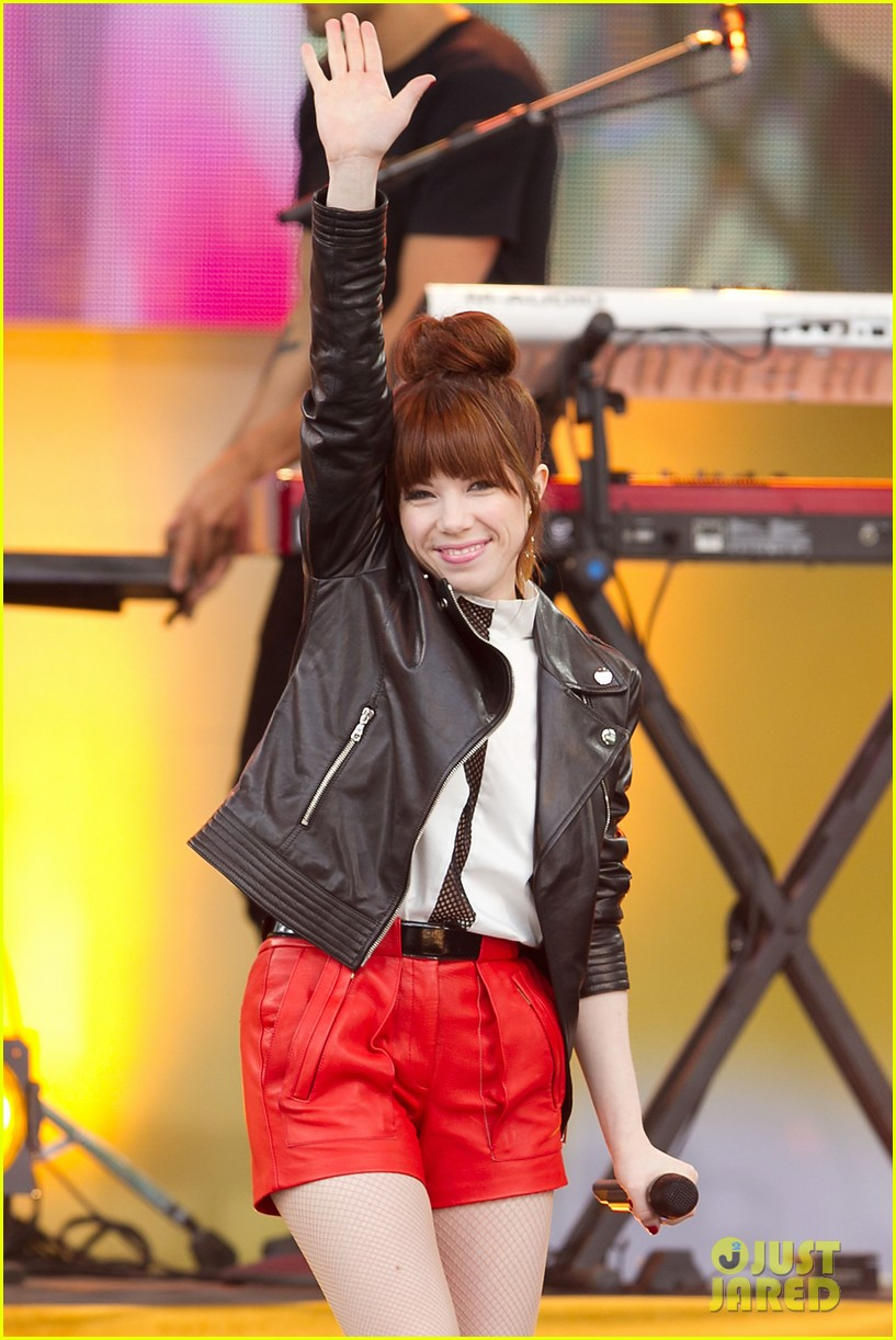 carly rae jepsen rocks good morning america 092891244
