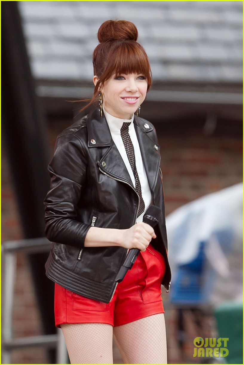 carly rae jepsen rocks good morning america 25