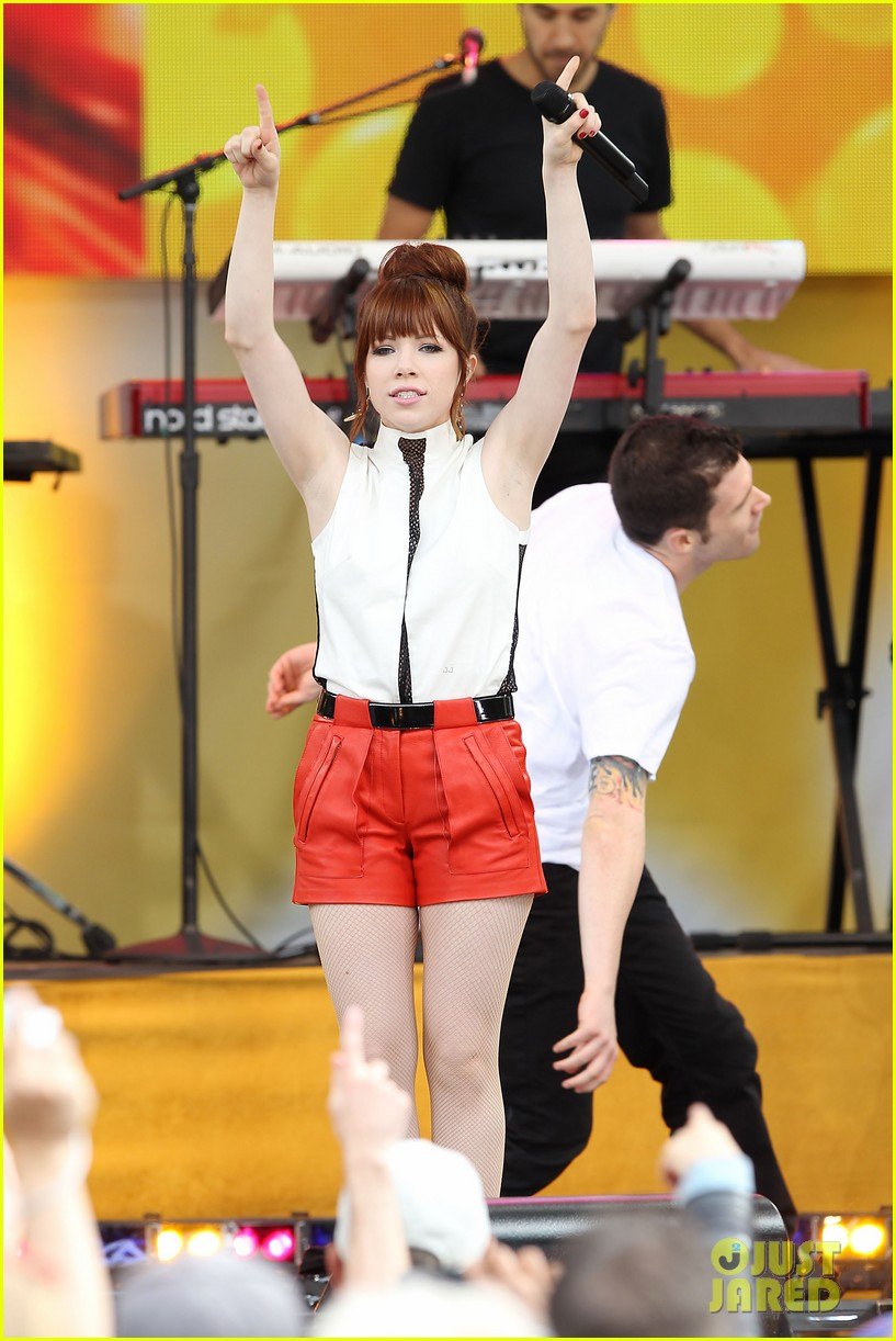 carly rae jepsen rocks good morning america 45