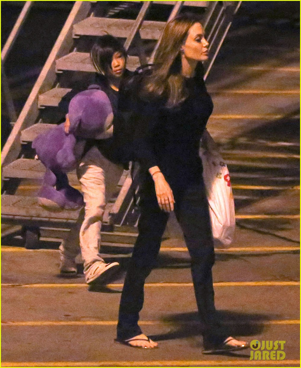 angelina jolie pax lax arrivial after un meeting 032898108