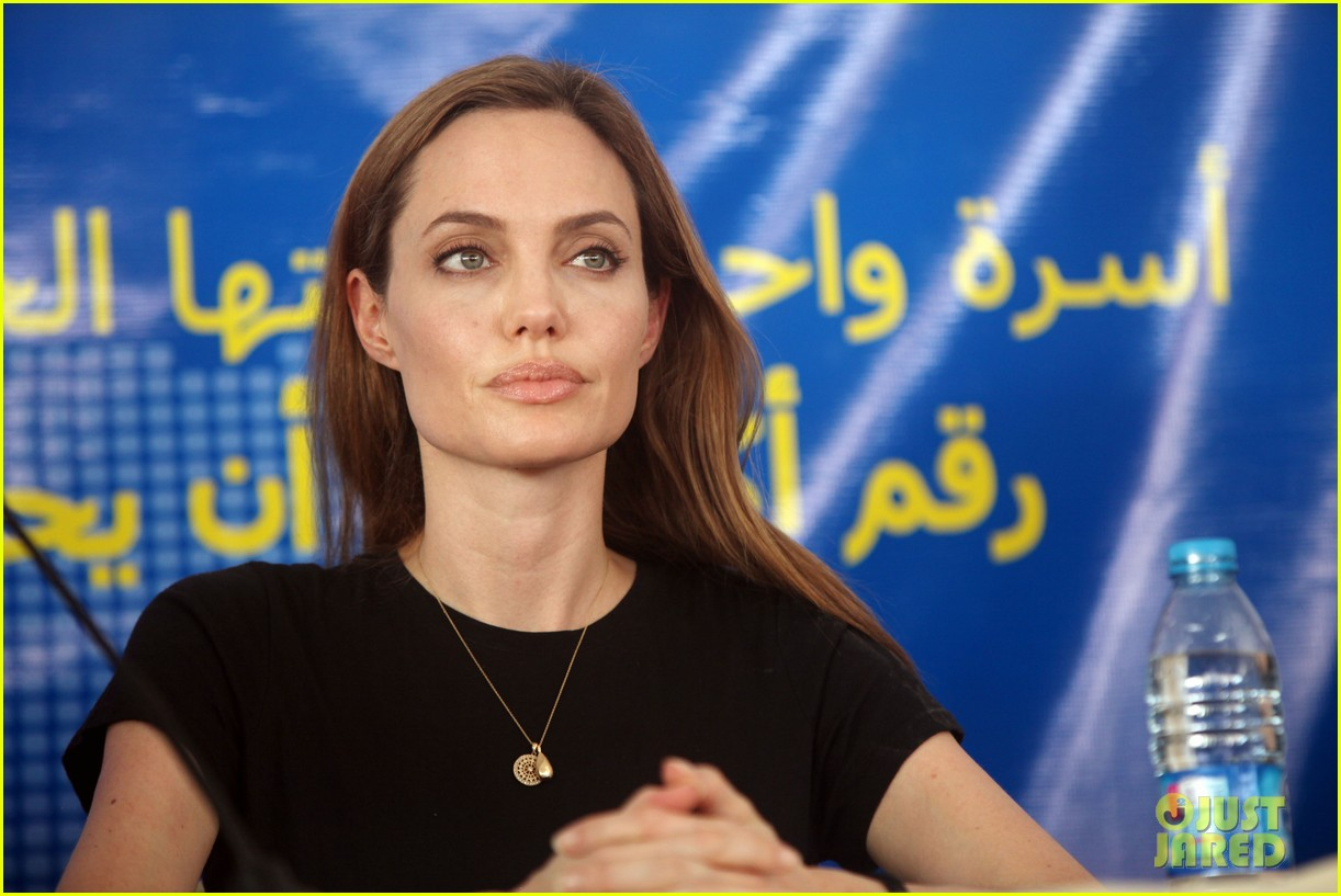 angelina jolie world refugee day press conference 03