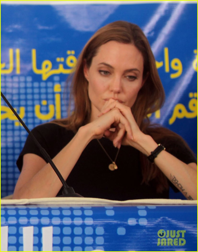 angelina jolie world refugee day press conference 042895125