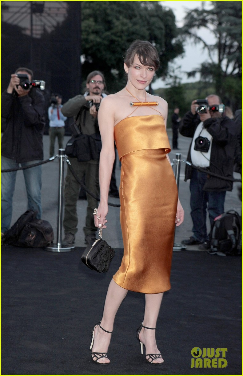milla jovovich berenice bejo armani one night only 012885271