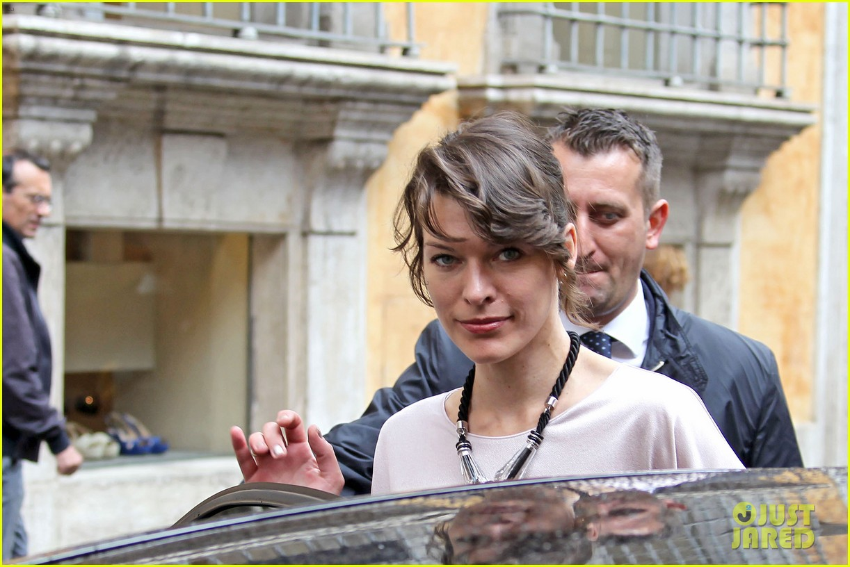 milla jovovich berenice bejo armani one night only 102885280