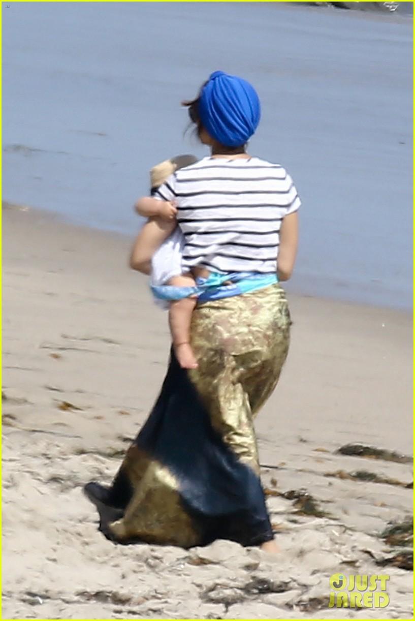 kourtney kardashian hits the beach after kim baby is born 052892800