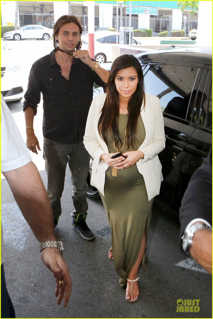 kanye west cheating on kim kardashian rumors not true 01