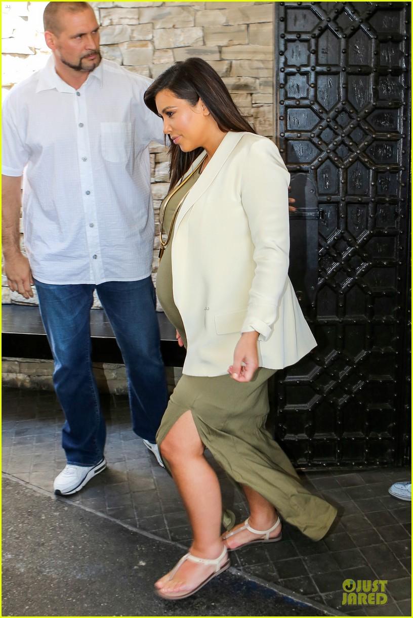kanye west cheating on kim kardashian rumors not true 212889946