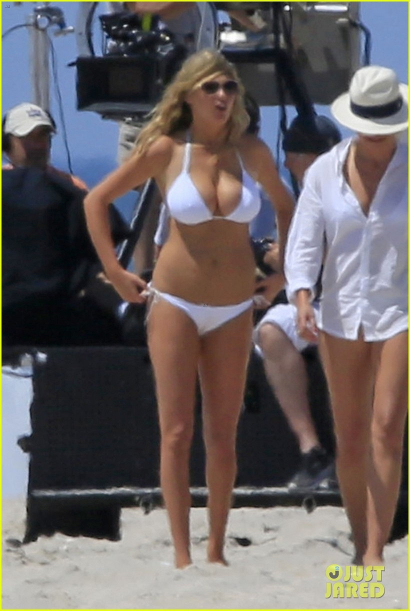 Consider, that Cameron diaz bathing suit seems