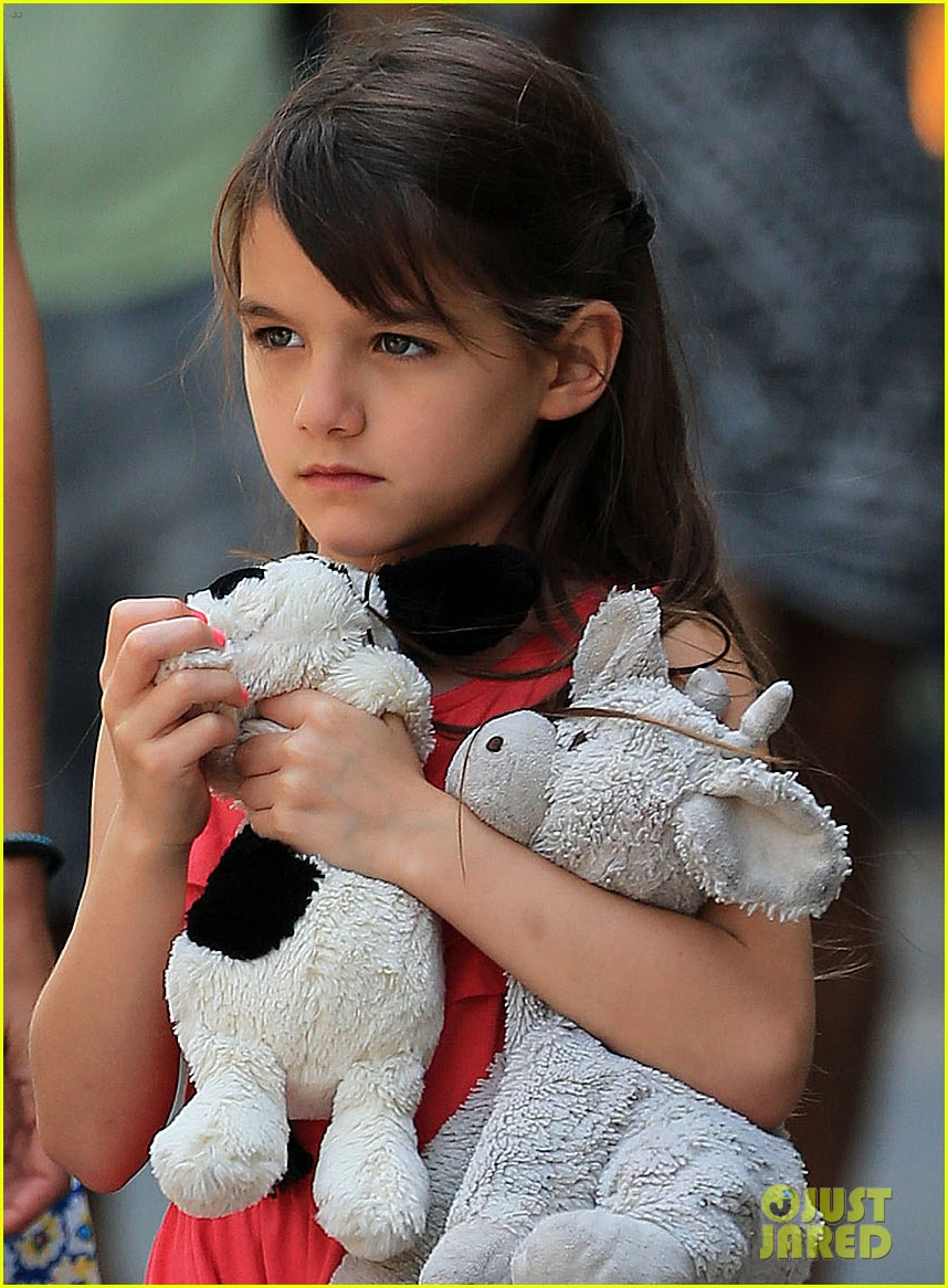 katie holmes sunday play date with suri 04