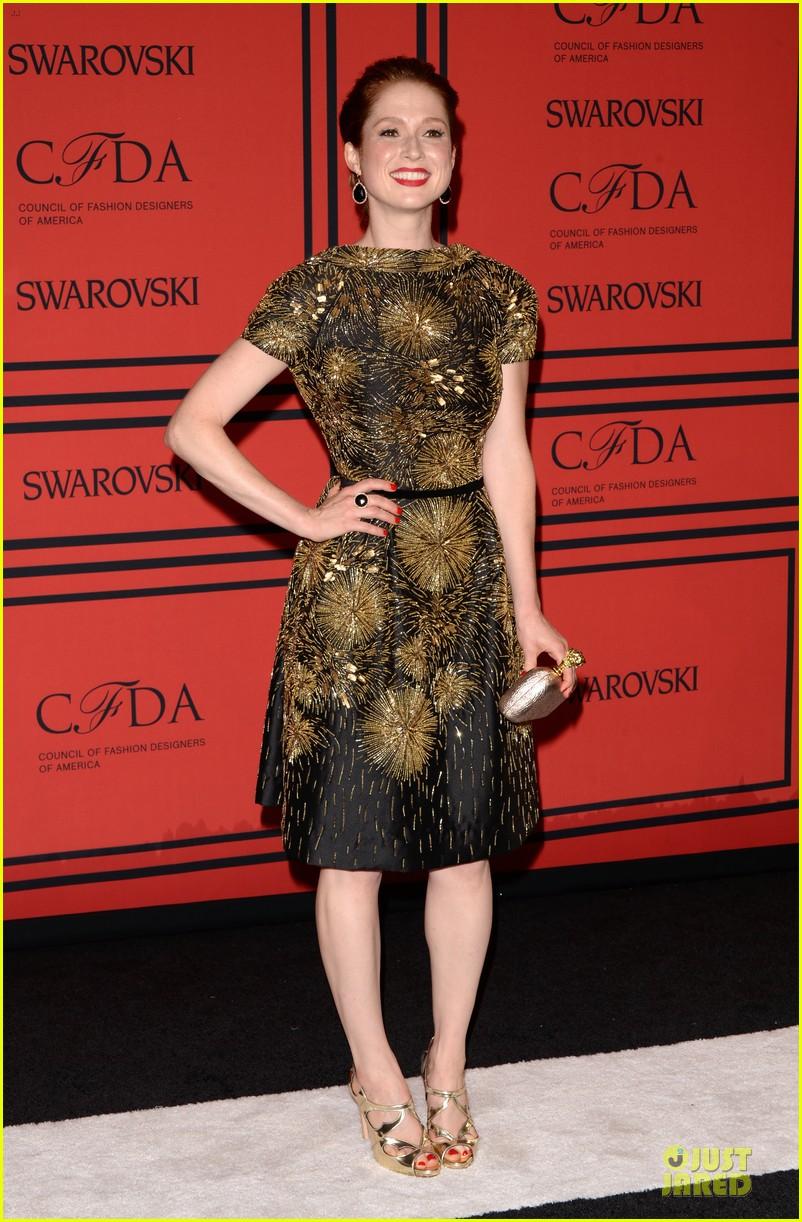 ellie kemper linda cardellini cfda fashion awards 2013 red carpet 012883803