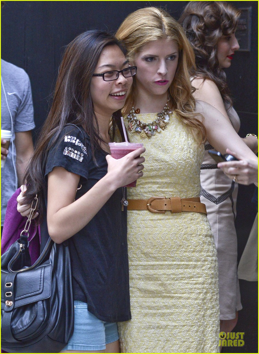 anna kendrick last 5 years fan photo ops 022896436