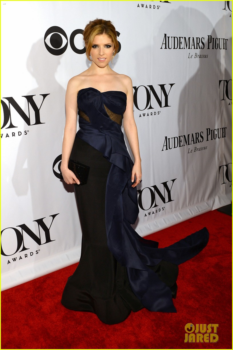 anna kendrick tony awards 2013 red carpet 032887884