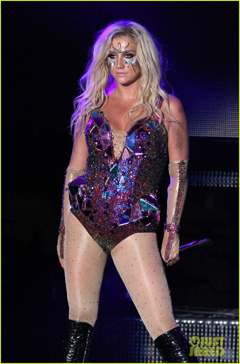 Kesha Canada Tour Dates - Ke$ha: iHeartRadio Ultimate Pool Party Concert  Performer!