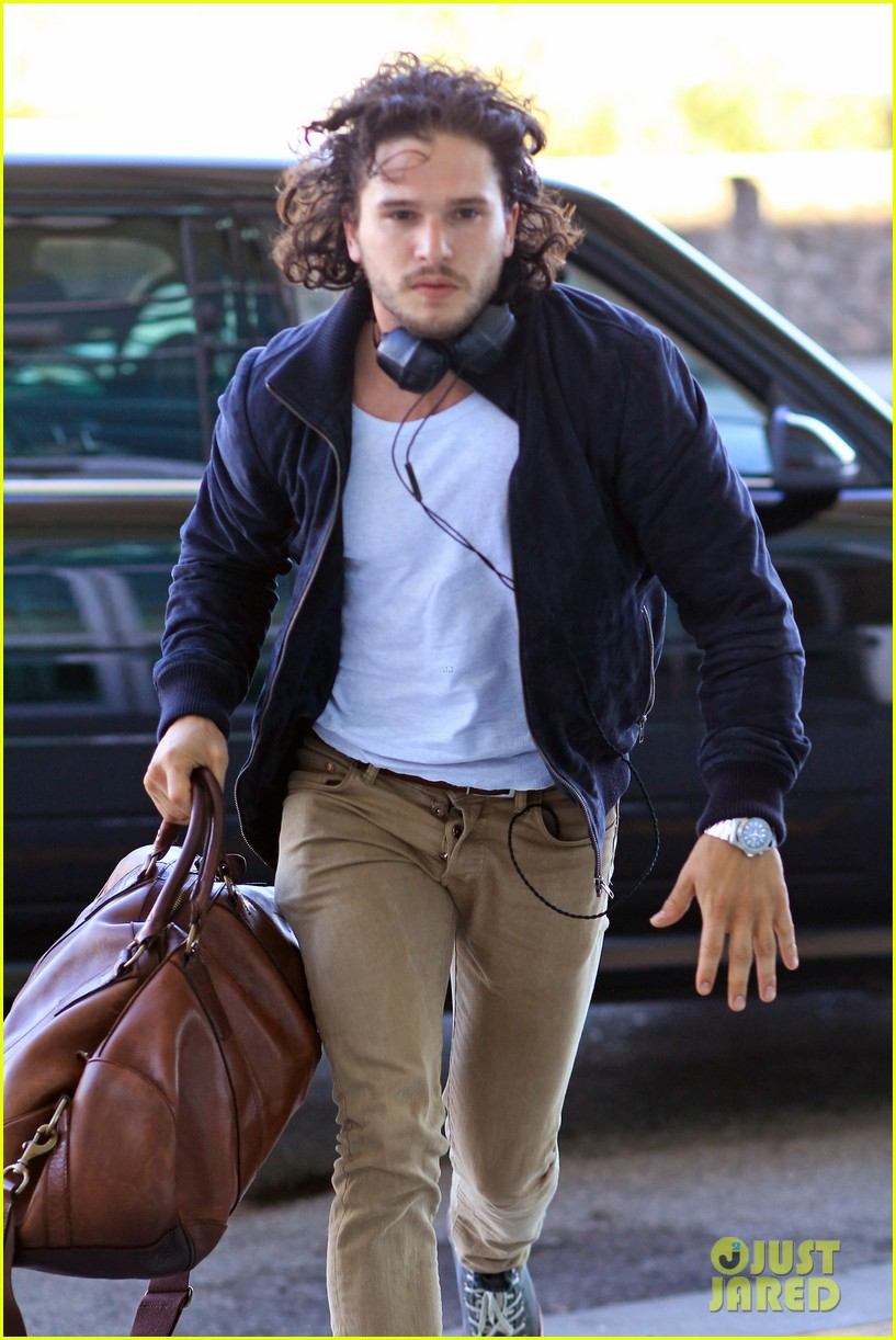 kit harington i like reading game of thrones books 122891345