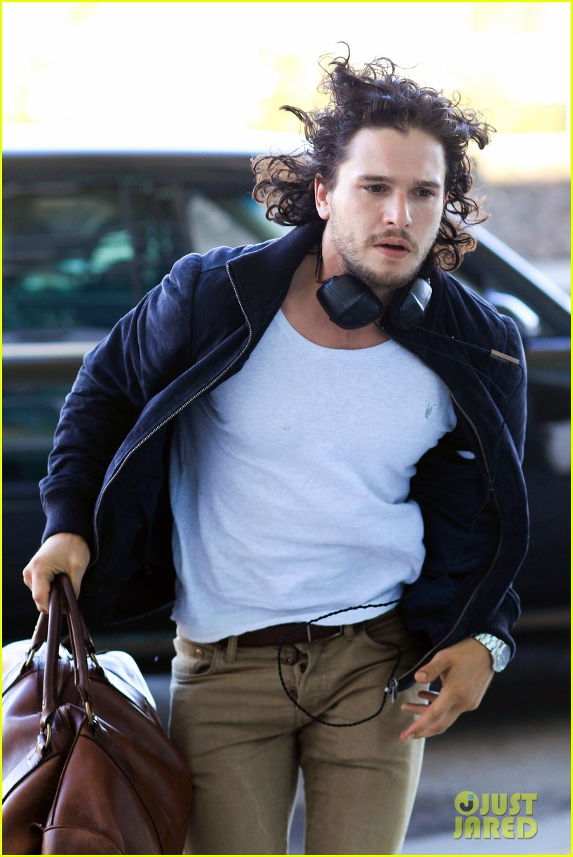 kit harington i like reading game of thrones books 13