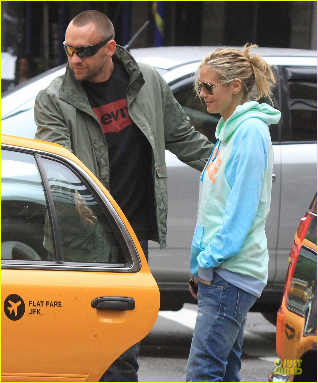 heidi klum martin kirsten holding hands during nyc run 11