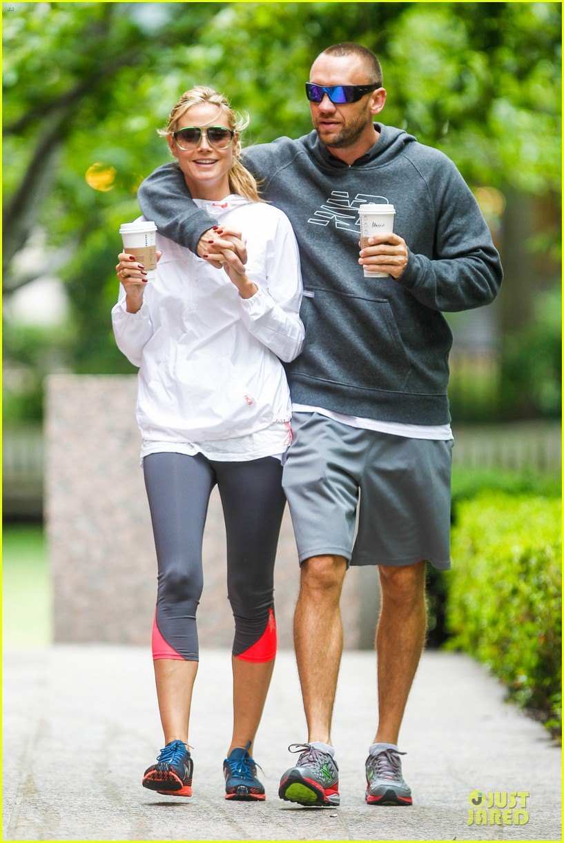 heidi klum martin kirsten holding hands during nyc run 232891551