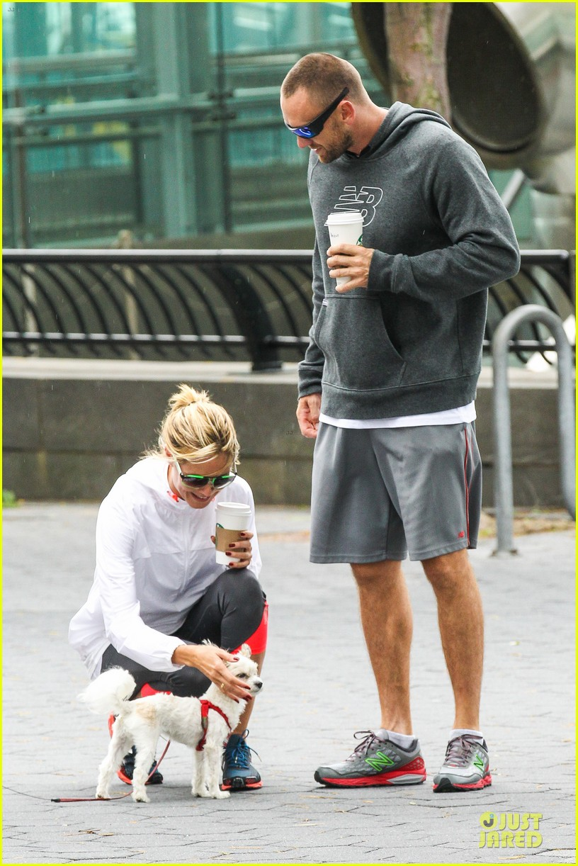 heidi klum martin kirsten holding hands during nyc run 262891554