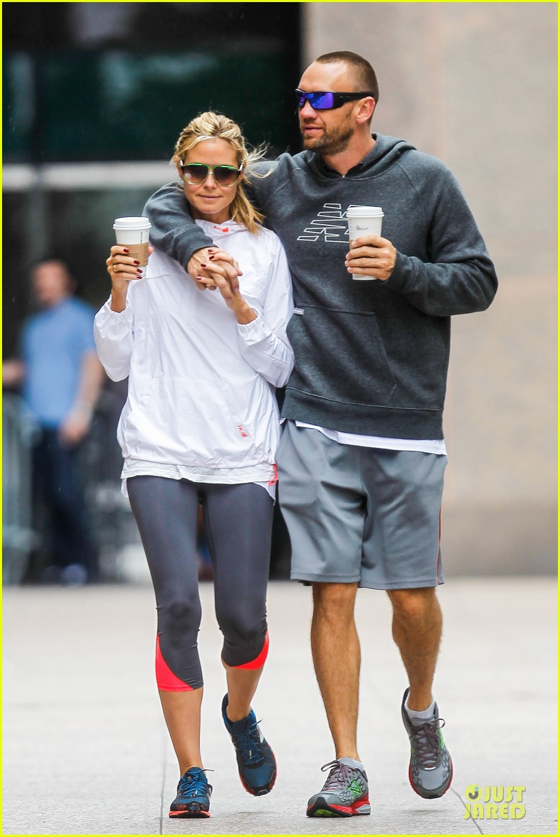 heidi klum martin kirsten holding hands during nyc run 292891557