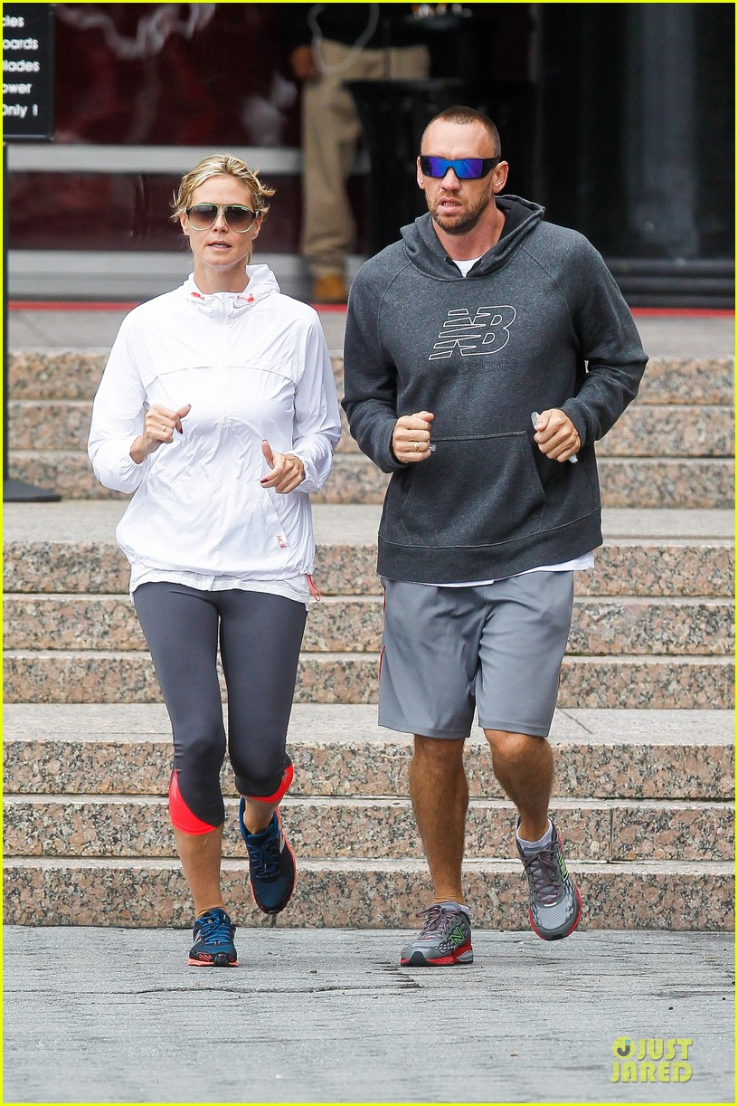 heidi klum martin kirsten holding hands during nyc run 312891559