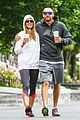 heidi klum martin kirsten holding hands during nyc run 01