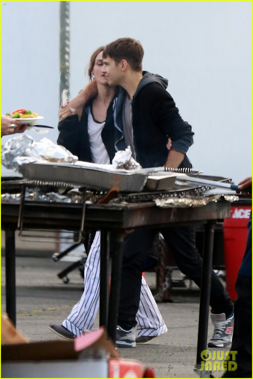 keira knightley james righton seattle kisses 052895588