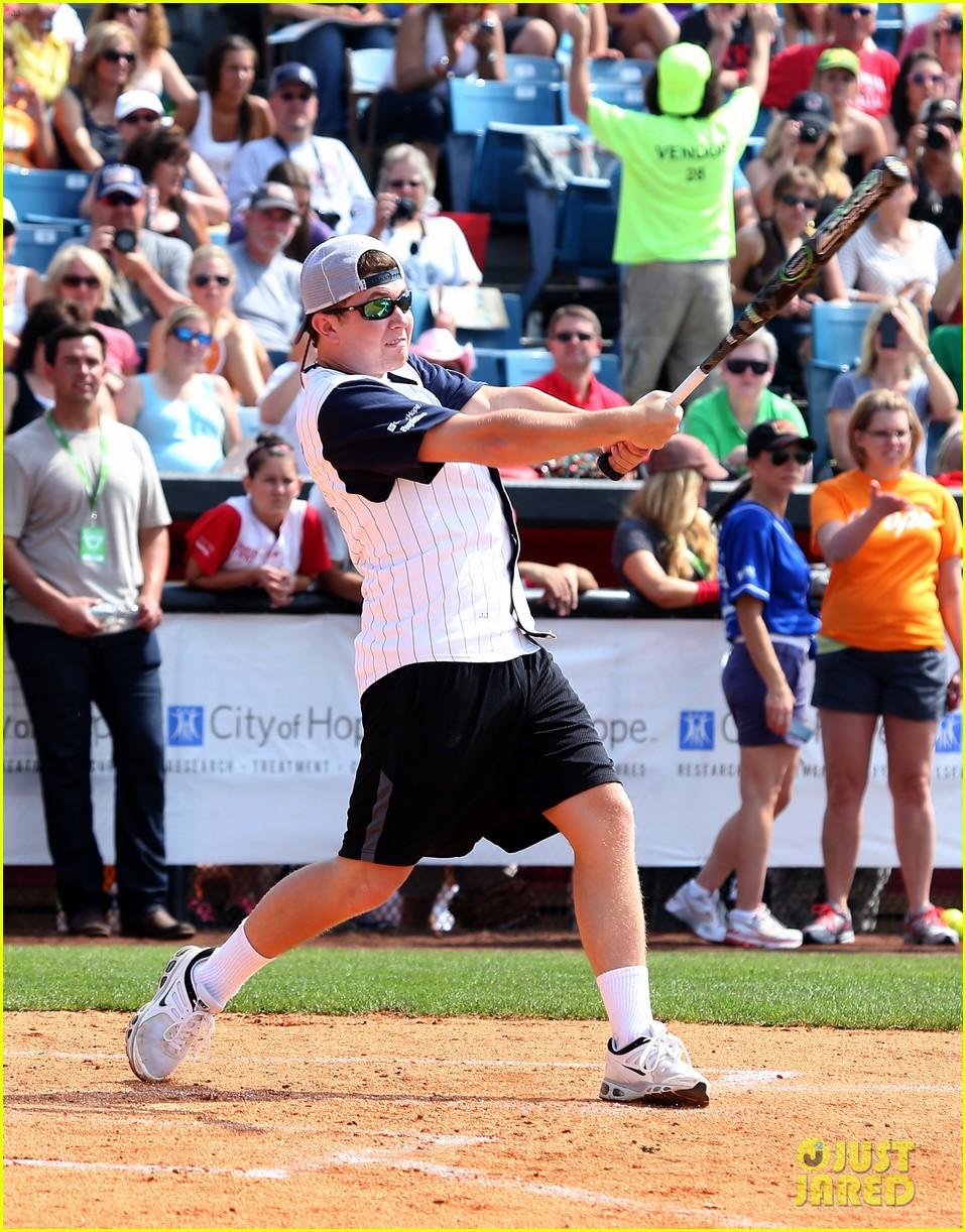 kree harrison lauren alaina celebrity softball with scotty mccreery 052887622