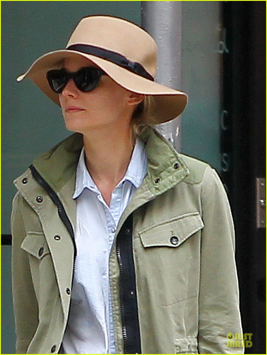 diane kruger i get help from man with aspergers on the bridge set 032891578