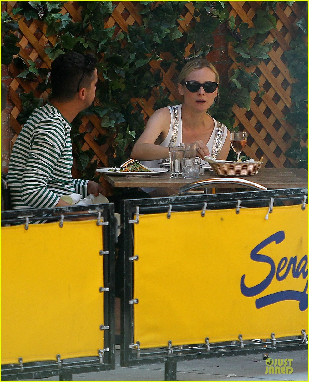diane kruger midriff baring lunch with micah schifman 03