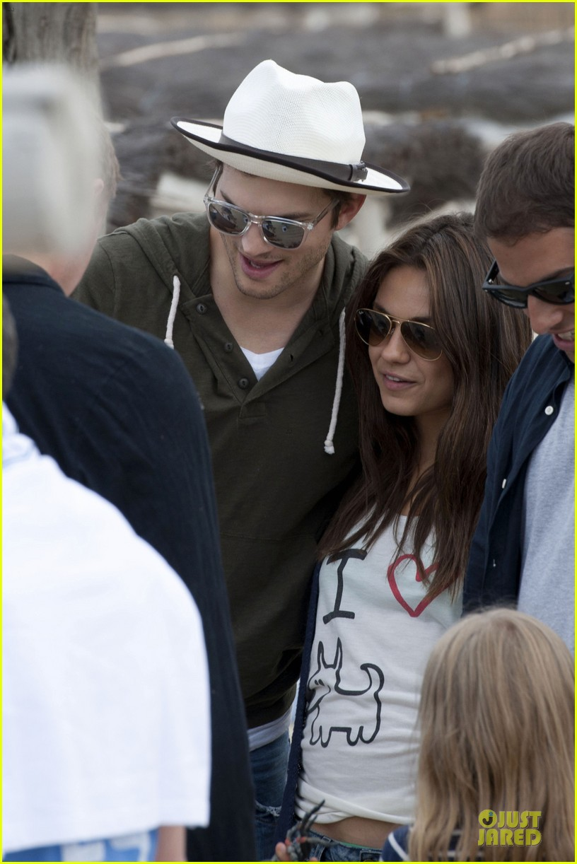 ashton kutcher mila kunis saint tropez with princess beatrice of york 022886950