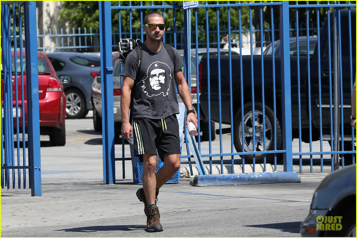 shia labeouf backpack carrying workout dude 032884694
