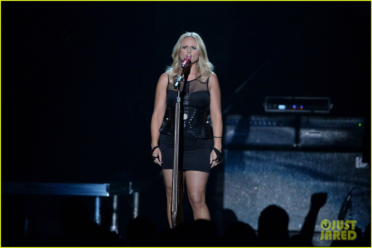 miranda lambert cmt music awards 2013 performance video 052885228