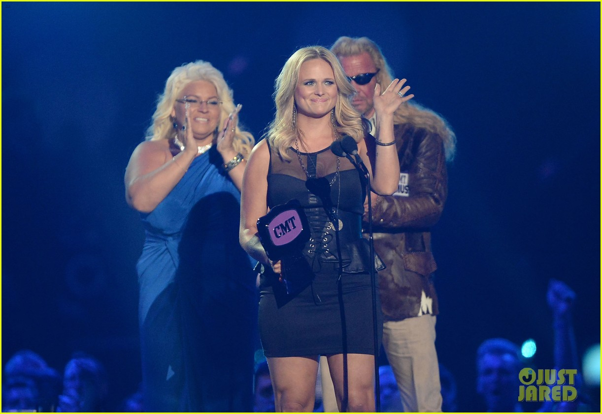 miranda lambert cmt music awards 2013 performance video 11