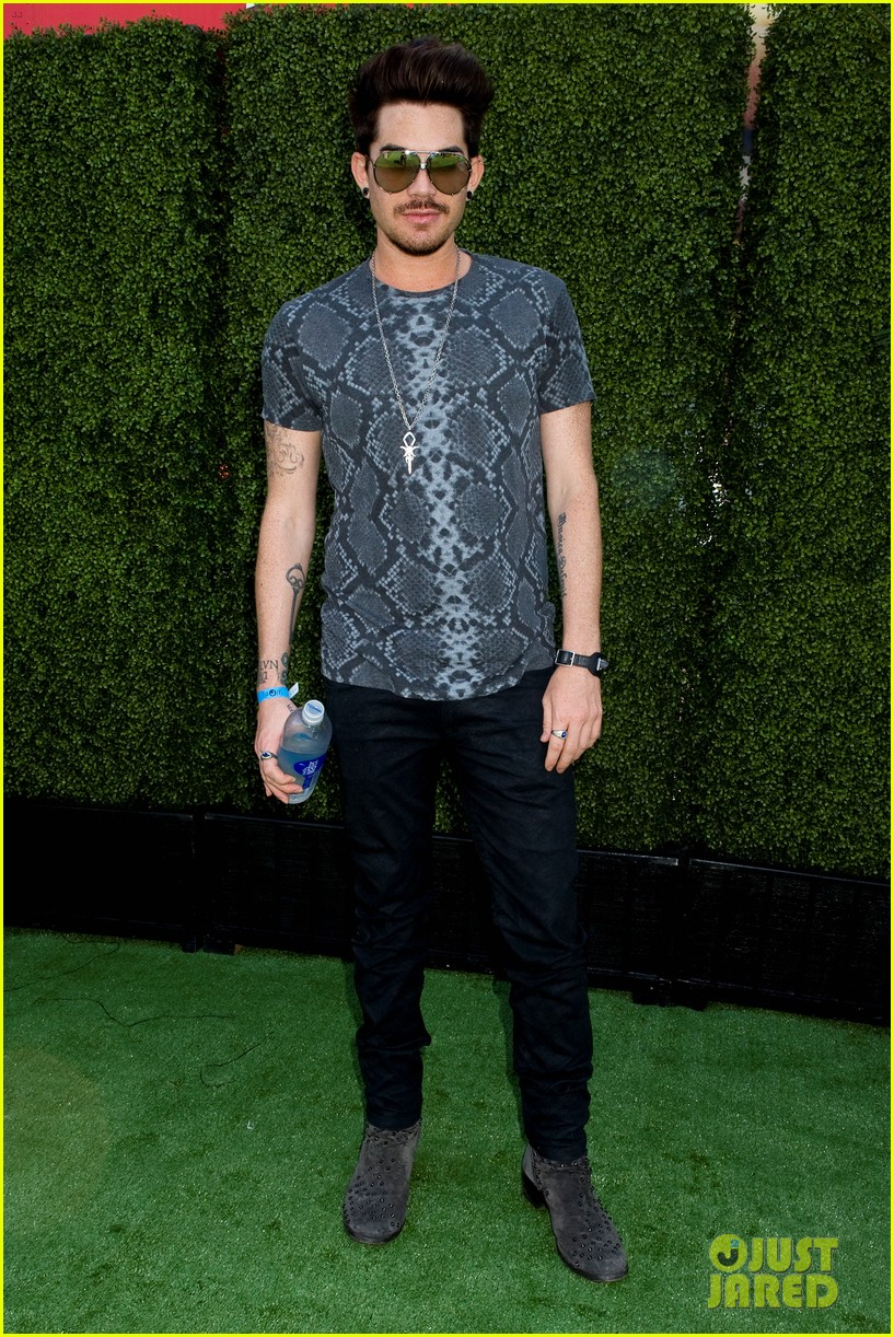 adam lambert hammer time at just jared summer kick off party presented by mcdonalds 20