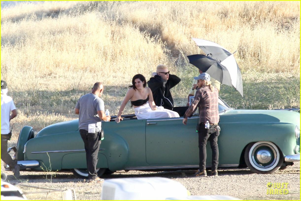 lana del rey music video bikini babe 042900428