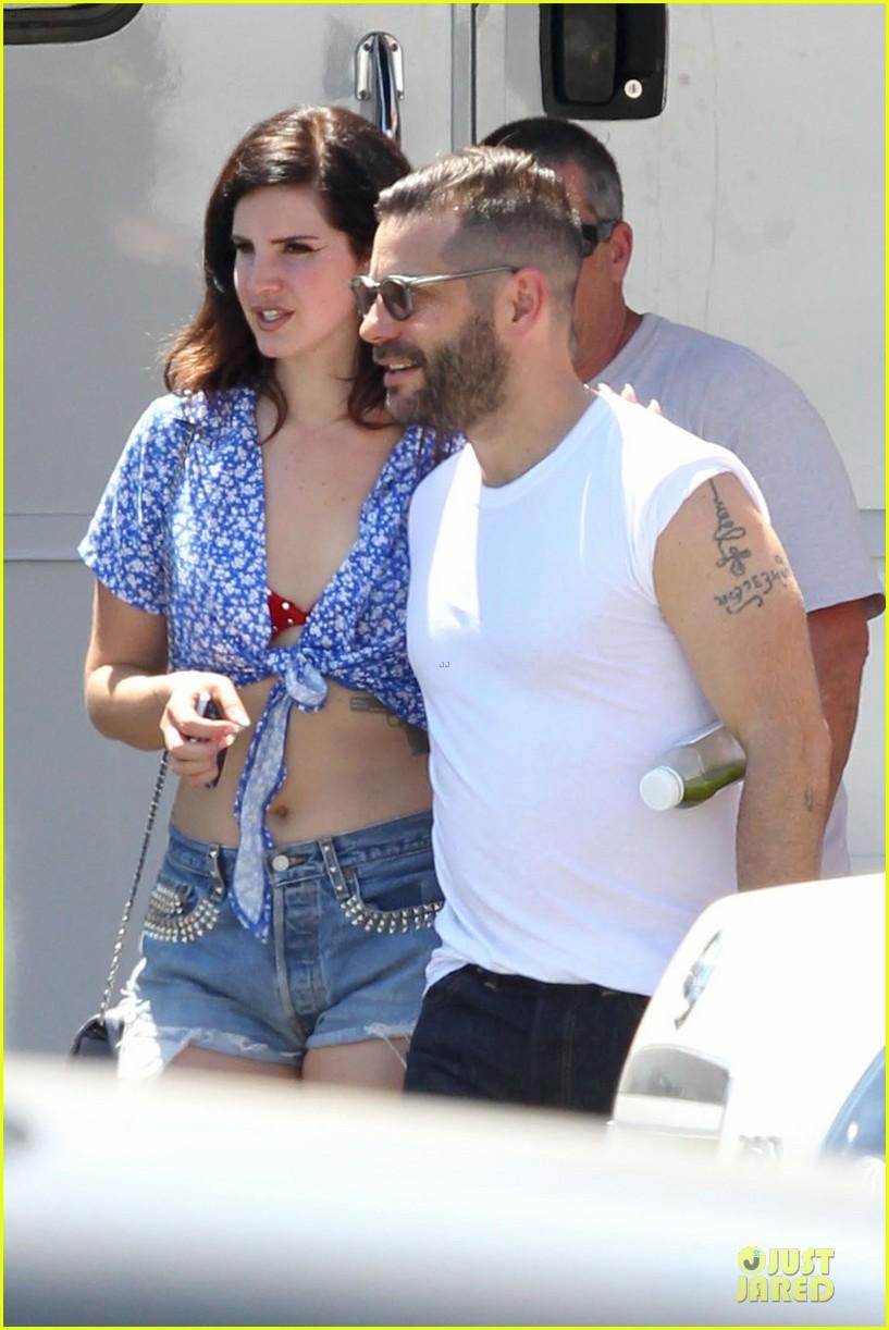 lana del rey music video bikini babe 152900439