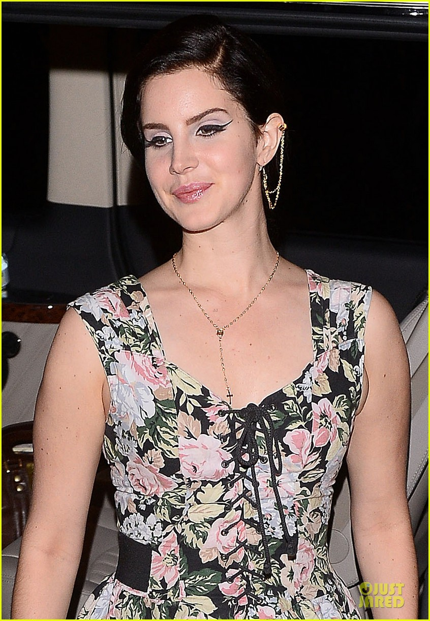 lana del rey stops in lithuania next for paradise tour 042883755