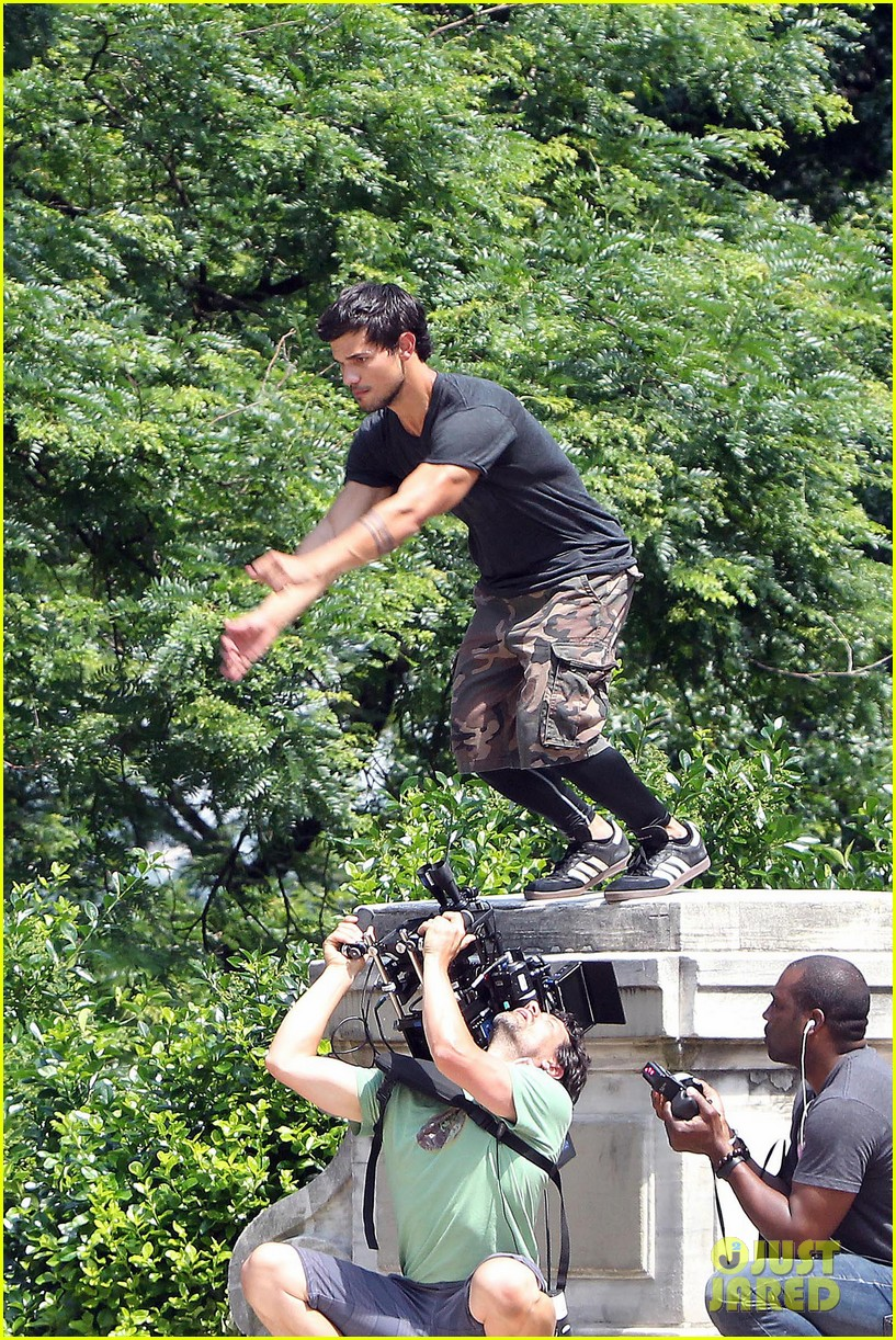 taylor lautner tracers shirt lift 122893807