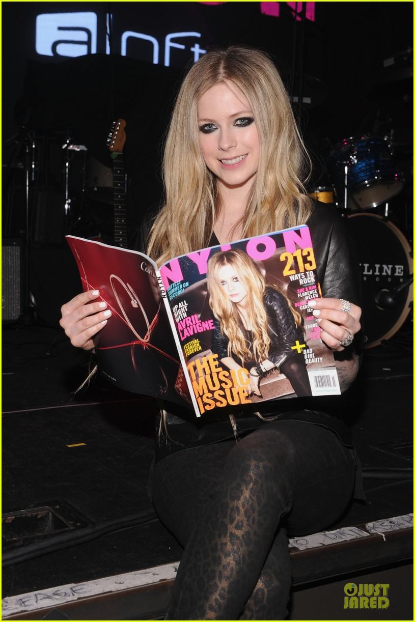avril lavigne nylon magazine cover party 02