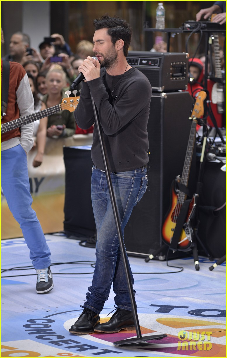 adam levine maroon 5 today show performance 012891313
