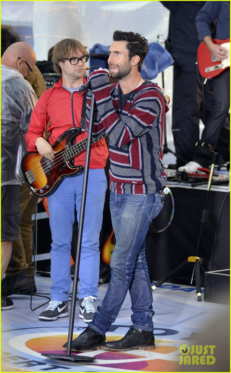 adam levine maroon 5 today show performance 112891323