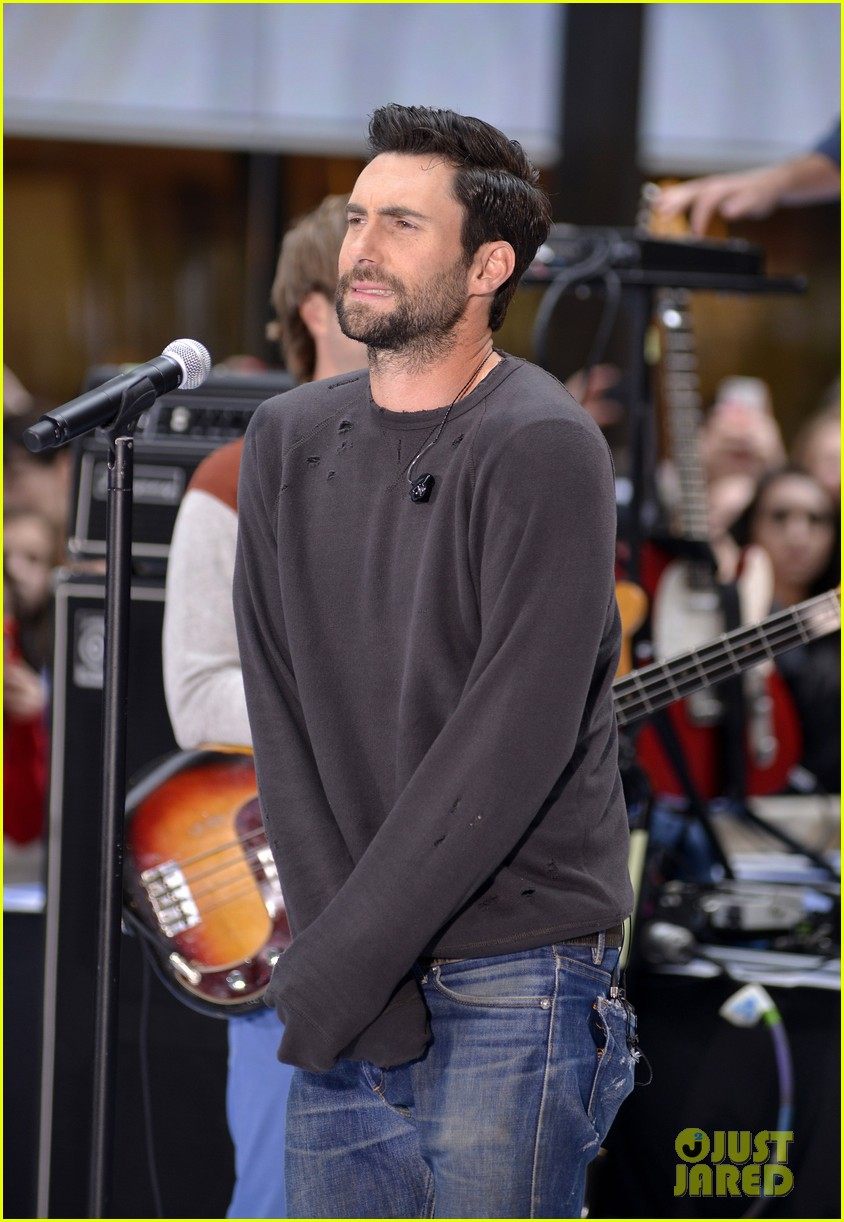 adam levine maroon 5 today show performance 172891329