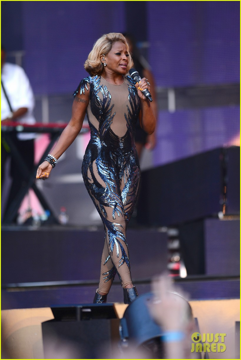jennifer lopez mary j blige chime for change concert 182882148